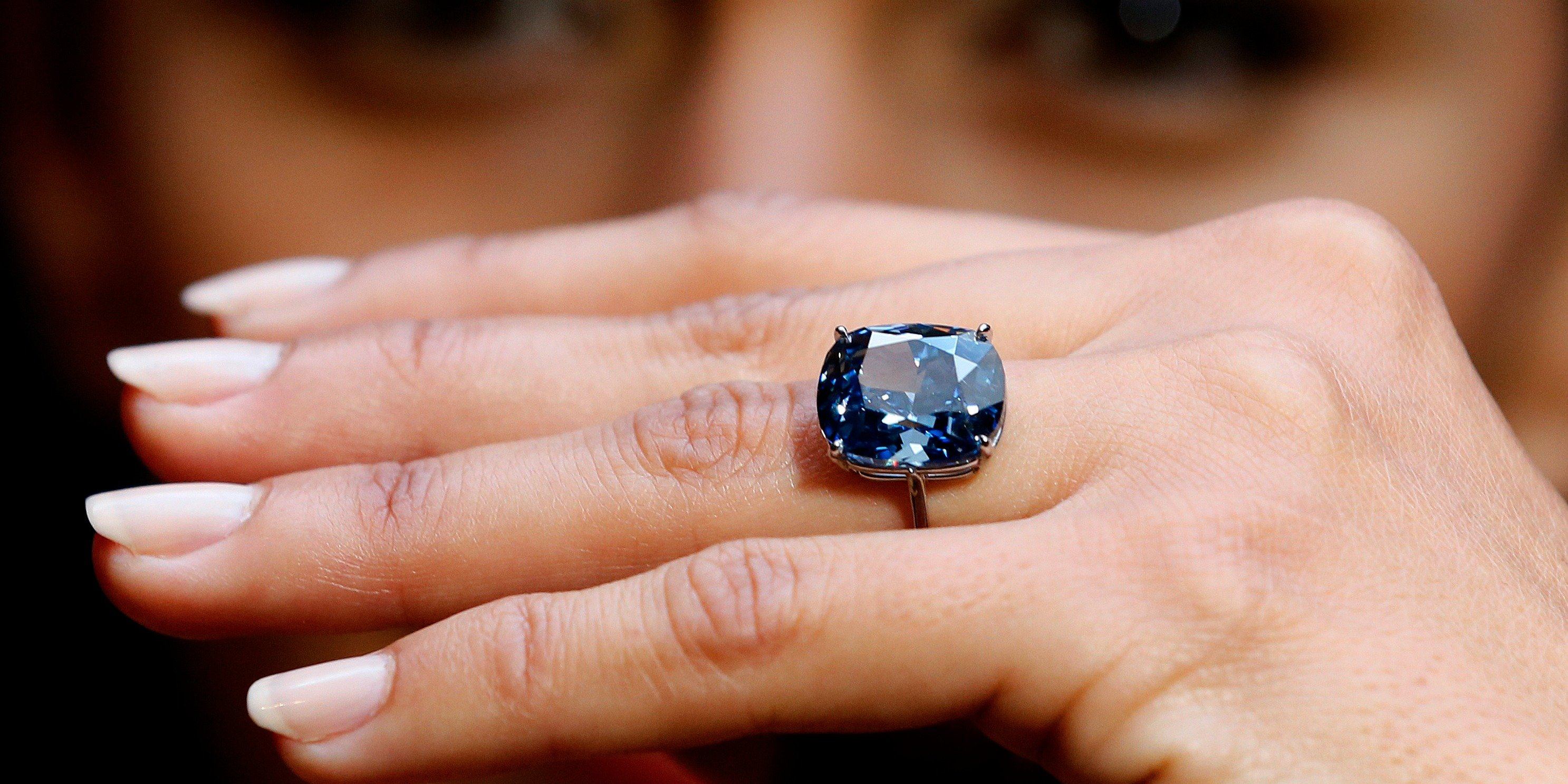 Record Price Paid For Gemstone At Auction 48 4 Million For The Blue Moon Diamond Your Diamond Guru