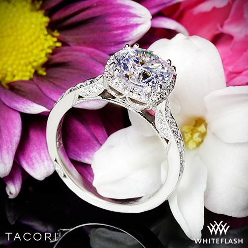 Tacori-Dantela-Crown-Diamond-Engagement-Ring-in-Platinum-from-Whiteflash_51814_40010_g-144729